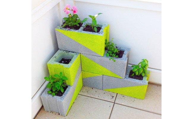 7 ways to spruce up your patio wayfair - Six ways to spruce up your balcony ...
