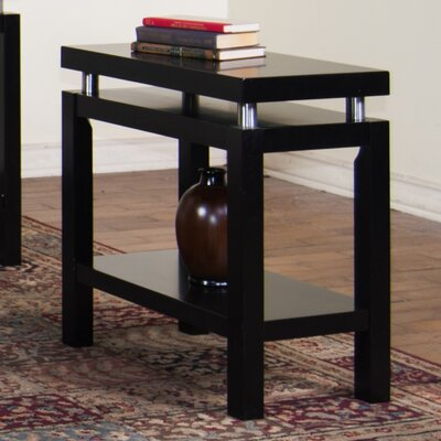 Sunny Designs New York Chairside Table Image
