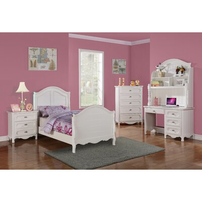 Woodhaven Hill Hayley Sleigh Customizable Bedroom Set