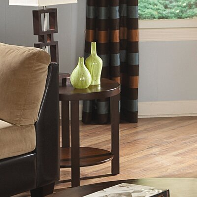 Woodhaven Hill Brussel II End Table