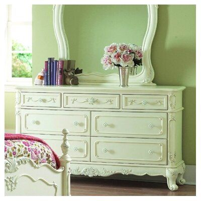 Woodhaven Hill 1386 Series Dresser