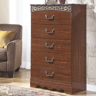 Signature Design by Ashley Fairbrooks Estate 5 Drawer Chest