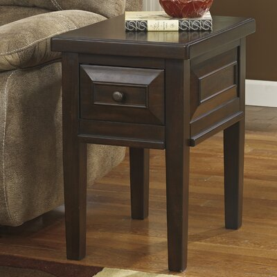 Signature Design by Ashley Hindell Park End Table