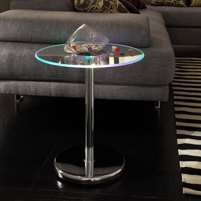 Wade Logan Macie End Table