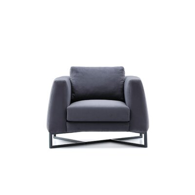 Bienal Triangle Arm Chair