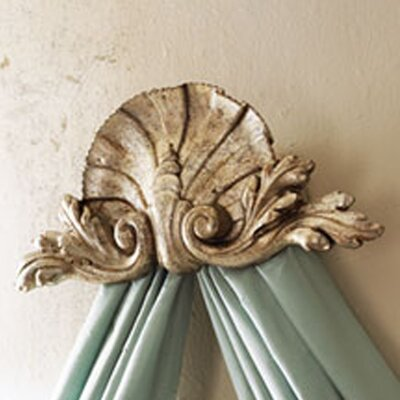 Hickory Manor House Shell Bed Crown