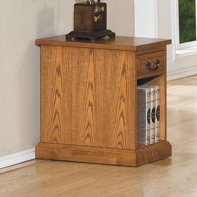 Darby Home Co Schueller Chairside Table