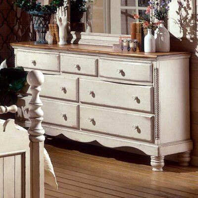 Lark Manor Astrid 7 Drawer Dresser