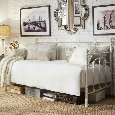 Lark Manor Armillac Daybed
