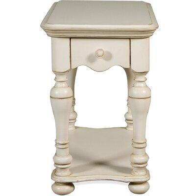 Beachcrest Home Vassar Chairside Table