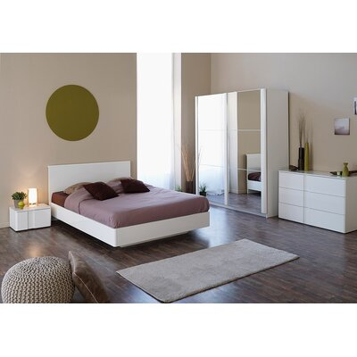 Parisot Wesley Platform Customizable Bedroom Set