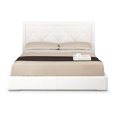 Calligaris Diamond Upholstered Platform Bed