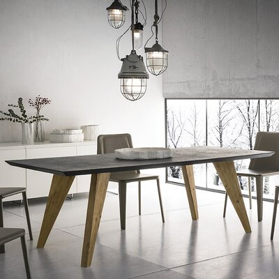 YumanMod Rino Dining Table