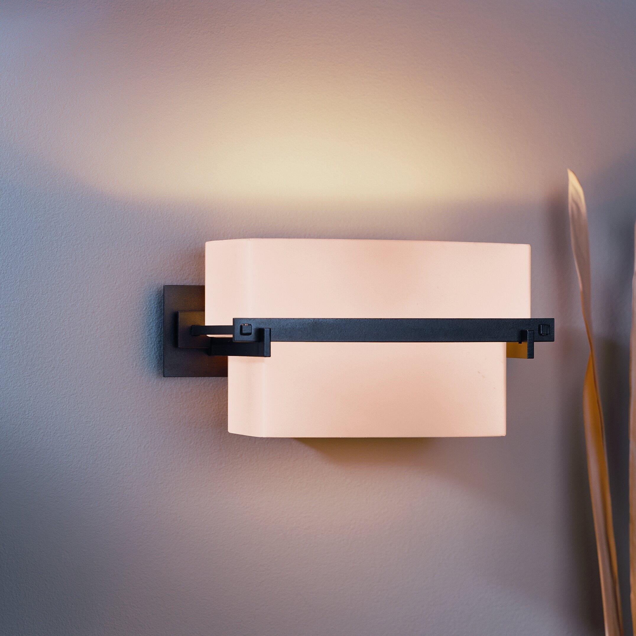 Hubbardton Forge Oculus: Hubbardton Forge Kakomi 1 Light Wall Sconce