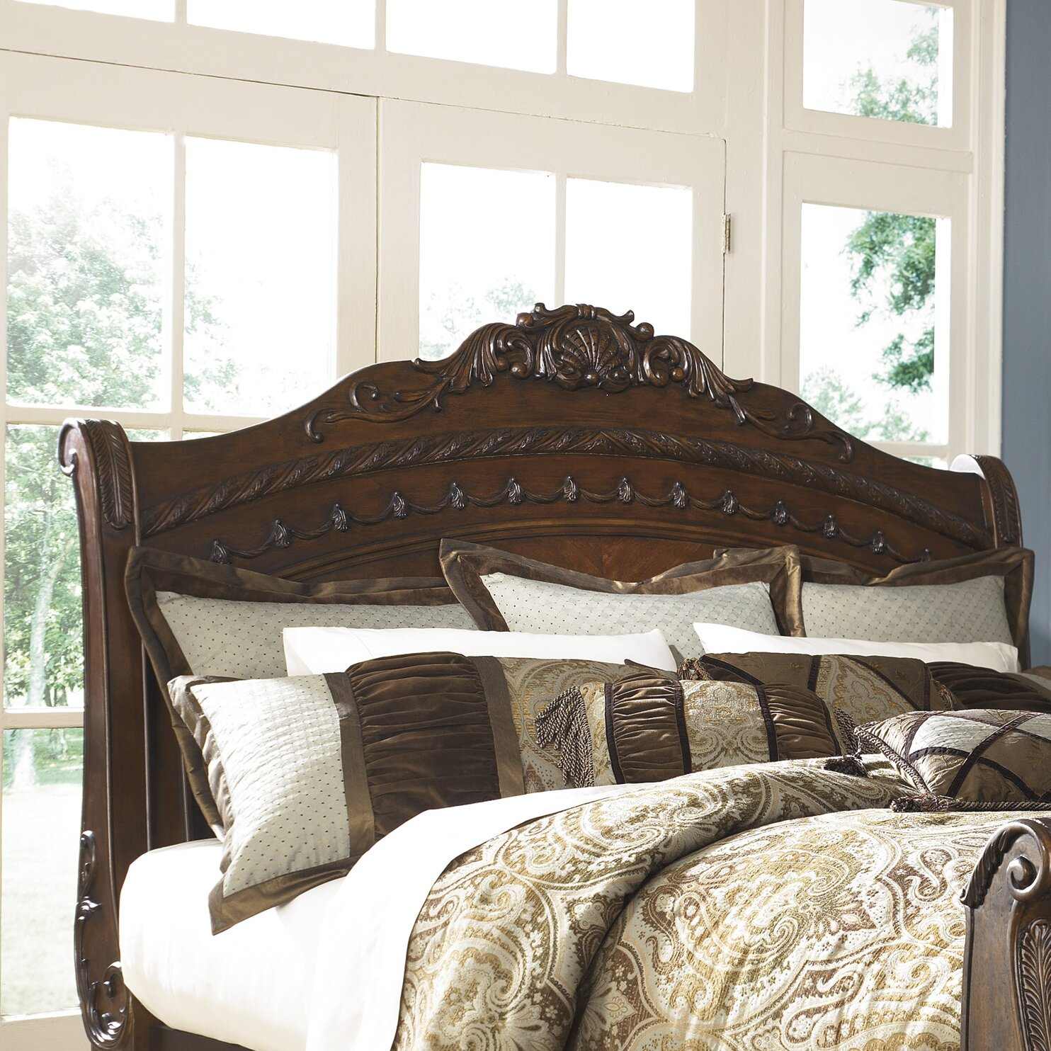 Signature Design By Ashley North Shore Sleigh Bed