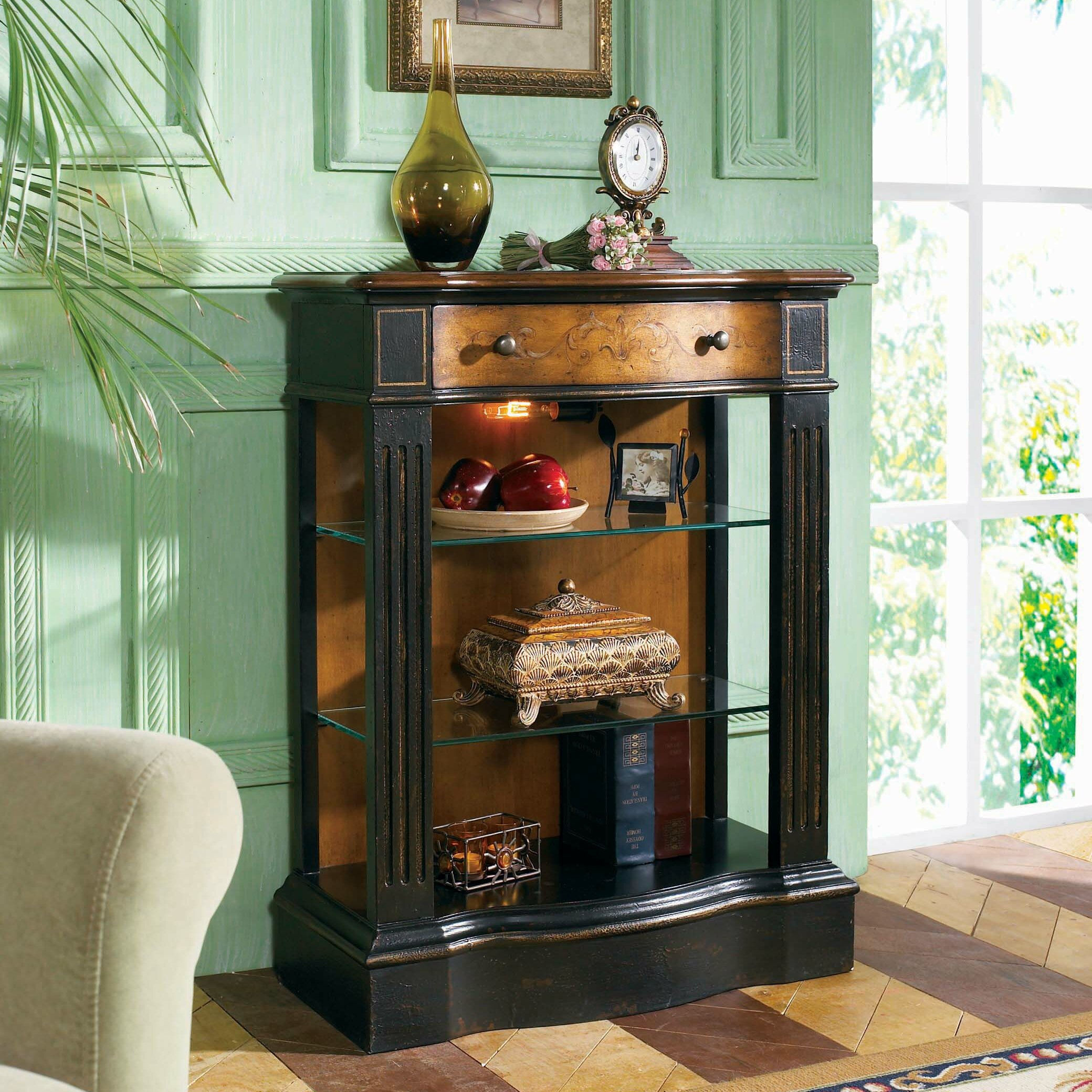 Hooker furniture north hampton hall console table for Accent furnitureable
