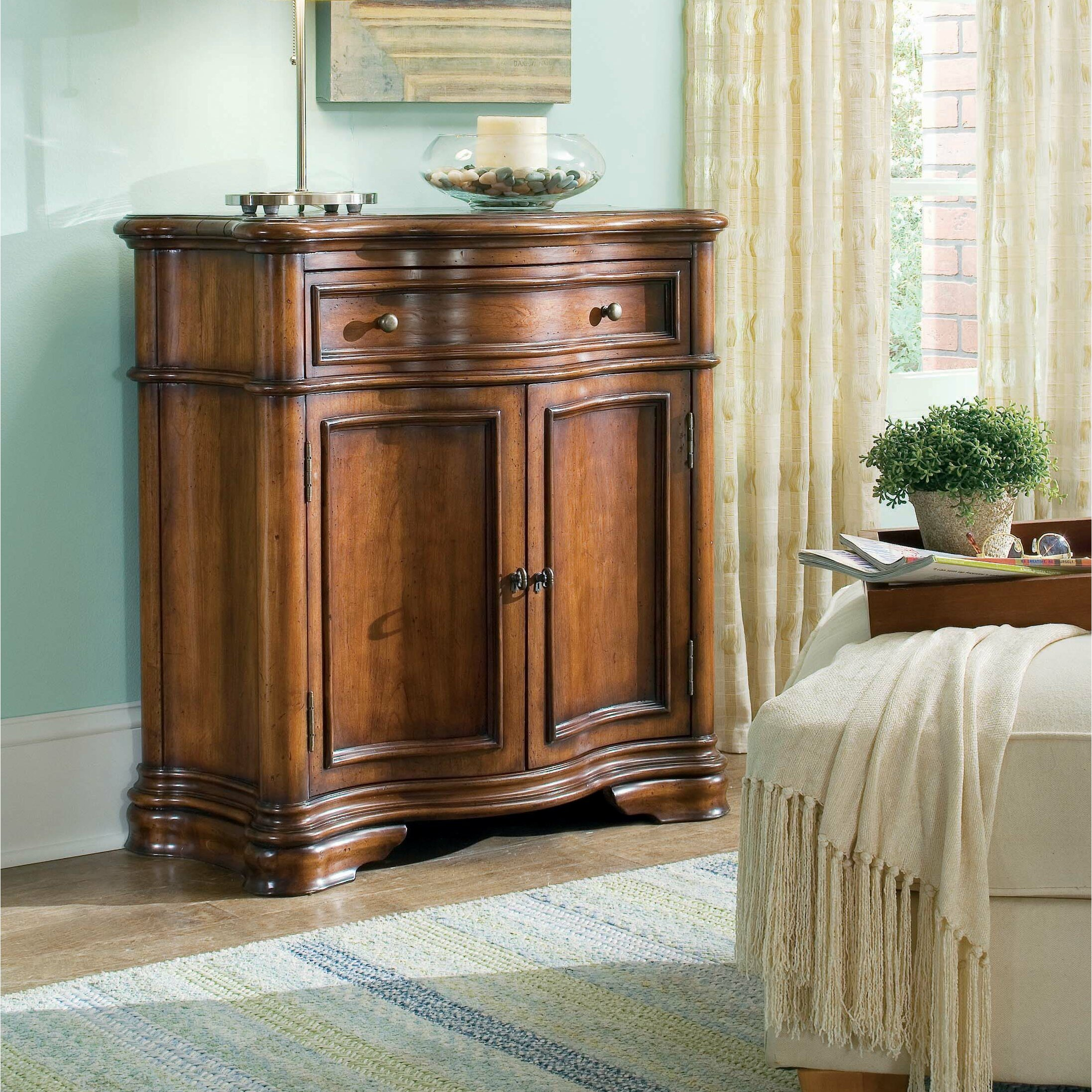 Hooker furniture waverly place shaped hall console cabinet for Place furniture