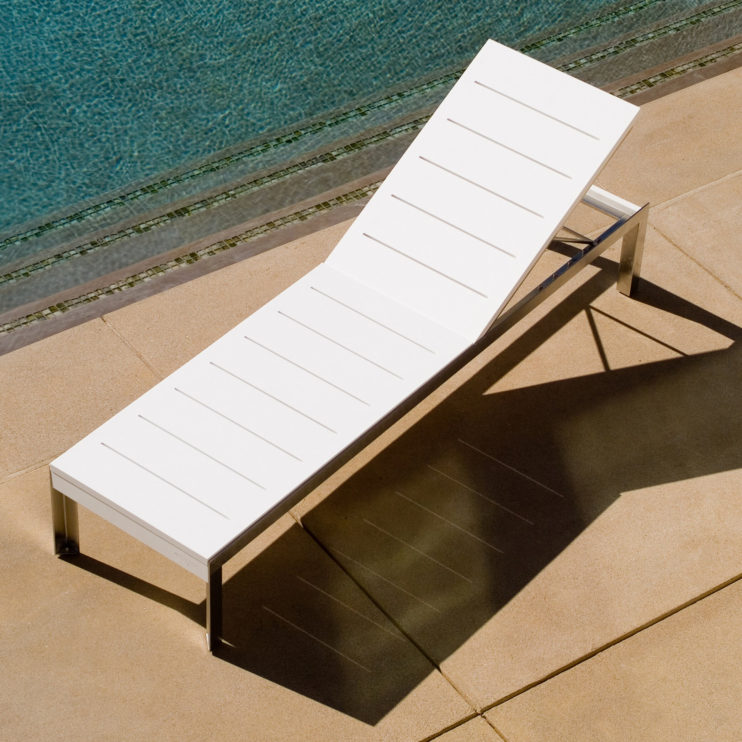 Modern outdoor etra lounge chaise lounge with cushion for Black friday chaise lounge