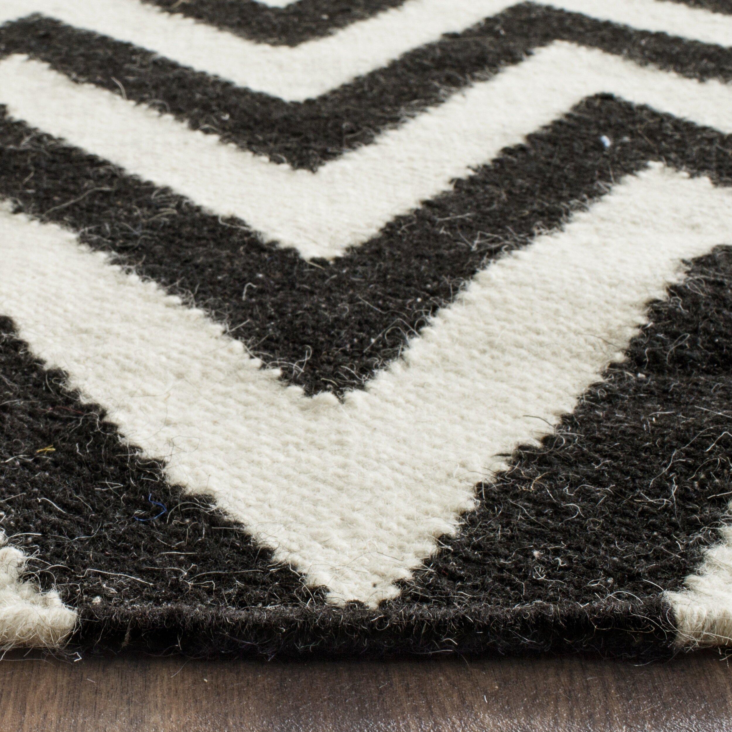 safavieh dhurrie black white area rug reviews wayfair uk. Black Bedroom Furniture Sets. Home Design Ideas