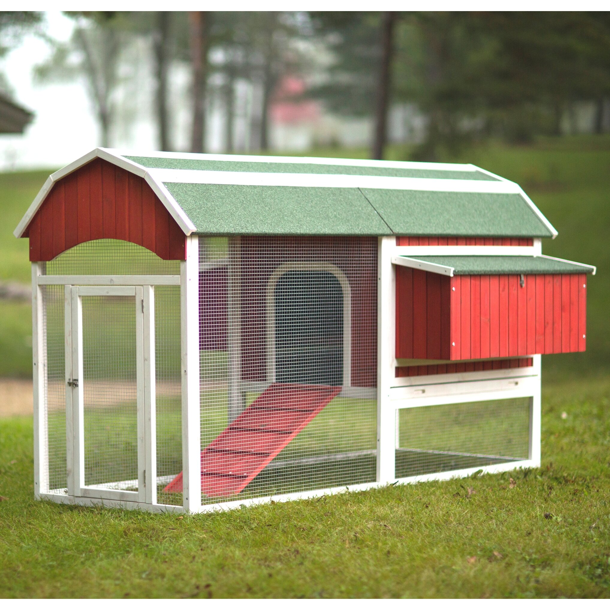 Prevue Hendryx Large Barn Chicken Coop With Roosting Bar