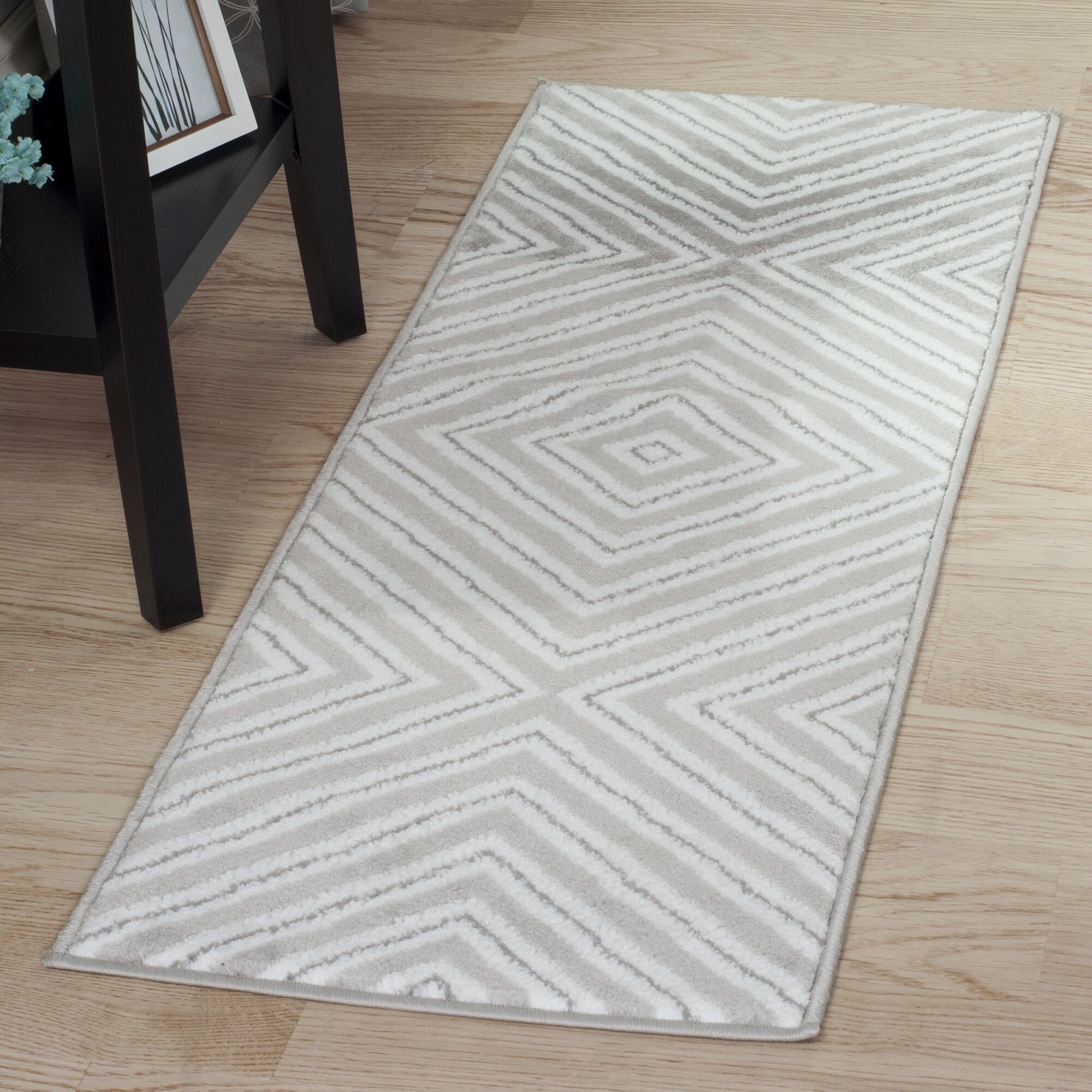 lavish home kaleidoscope gray white area rug reviews wayfair. Black Bedroom Furniture Sets. Home Design Ideas
