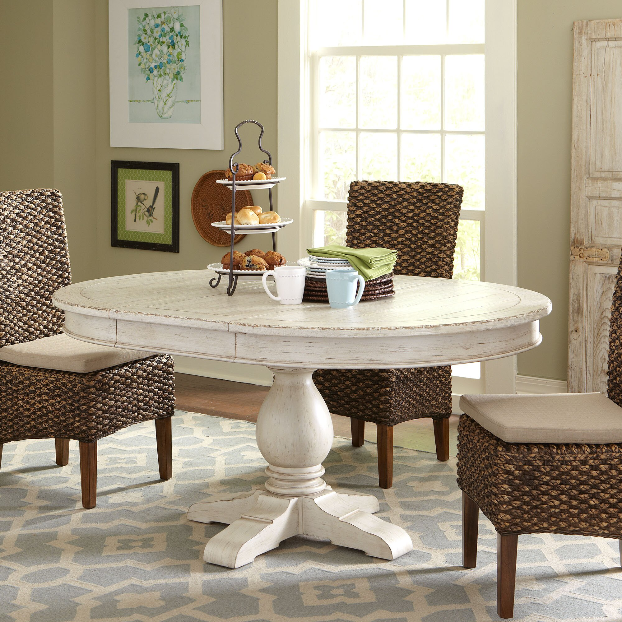 birch lane clearbrook round extending dining table reviews birch lane. Black Bedroom Furniture Sets. Home Design Ideas