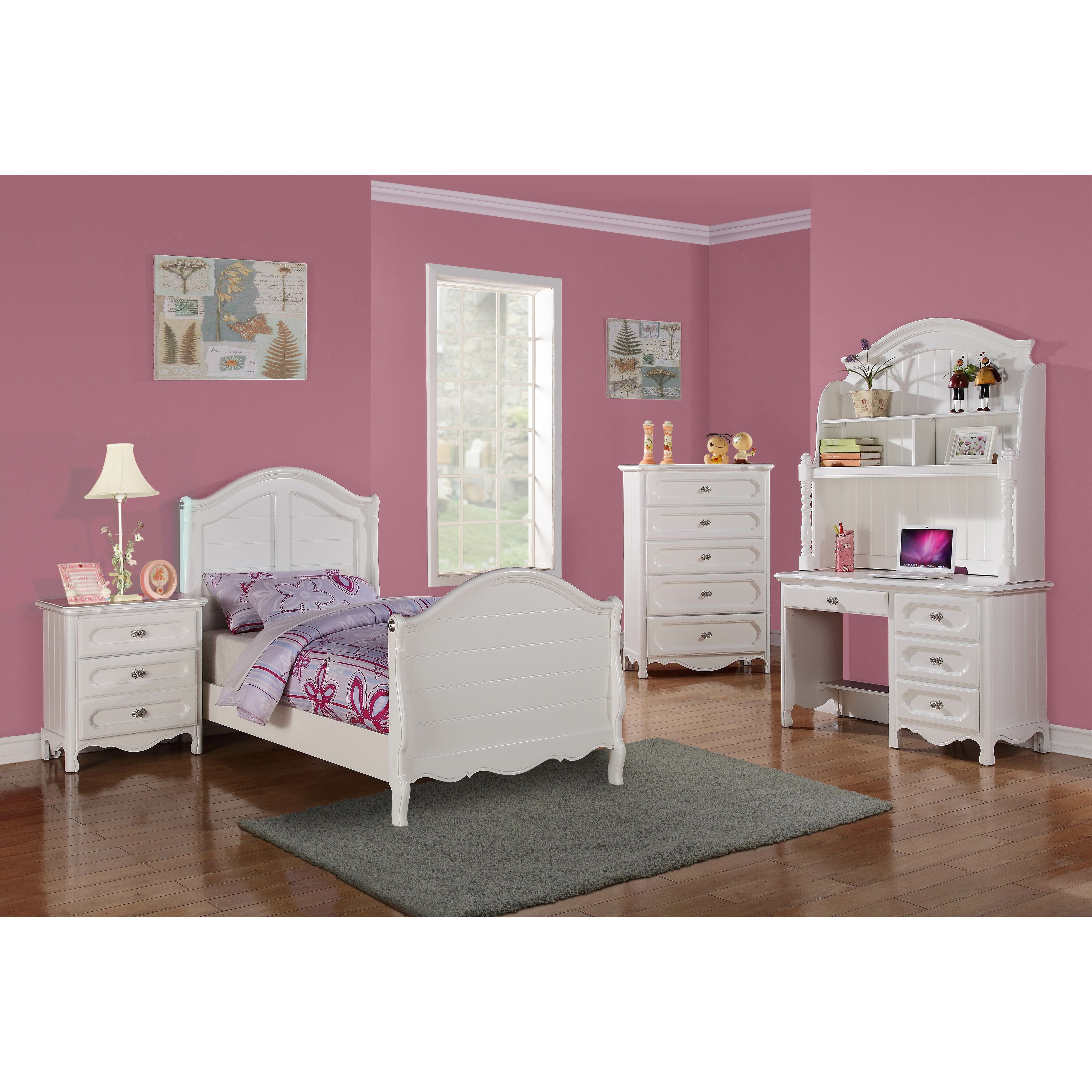 Woodhaven hill hayley sleigh customizable bedroom set for Womens bedroom furniture