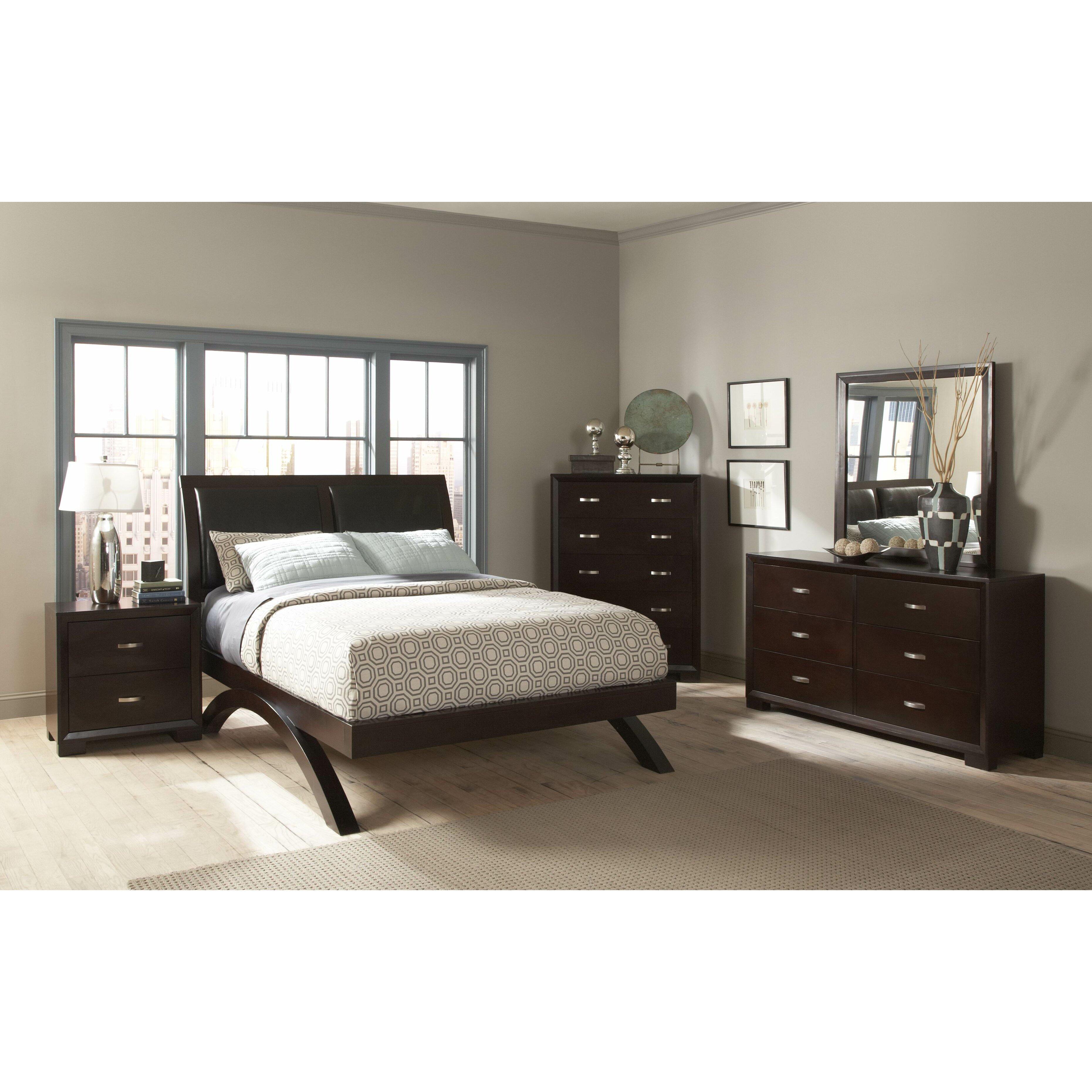 Woodhaven Hill 1313 Series Platform Customizable Bedroom