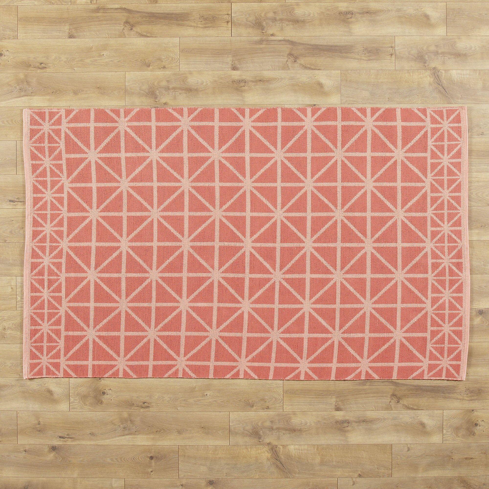 Tri square rug games