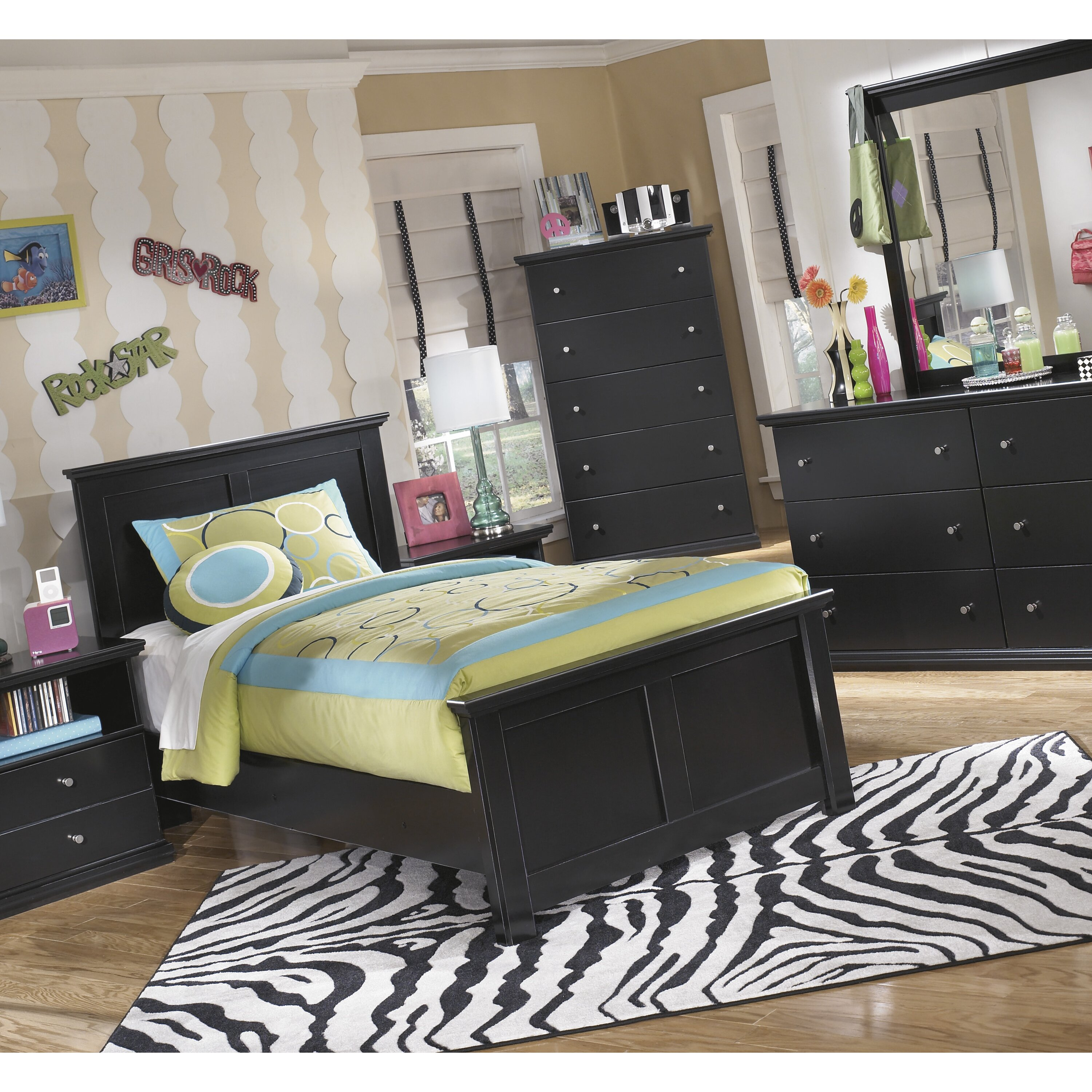 Signature Design By Ashley Maribel 6 Drawer Dresser With Mirror Reviews
