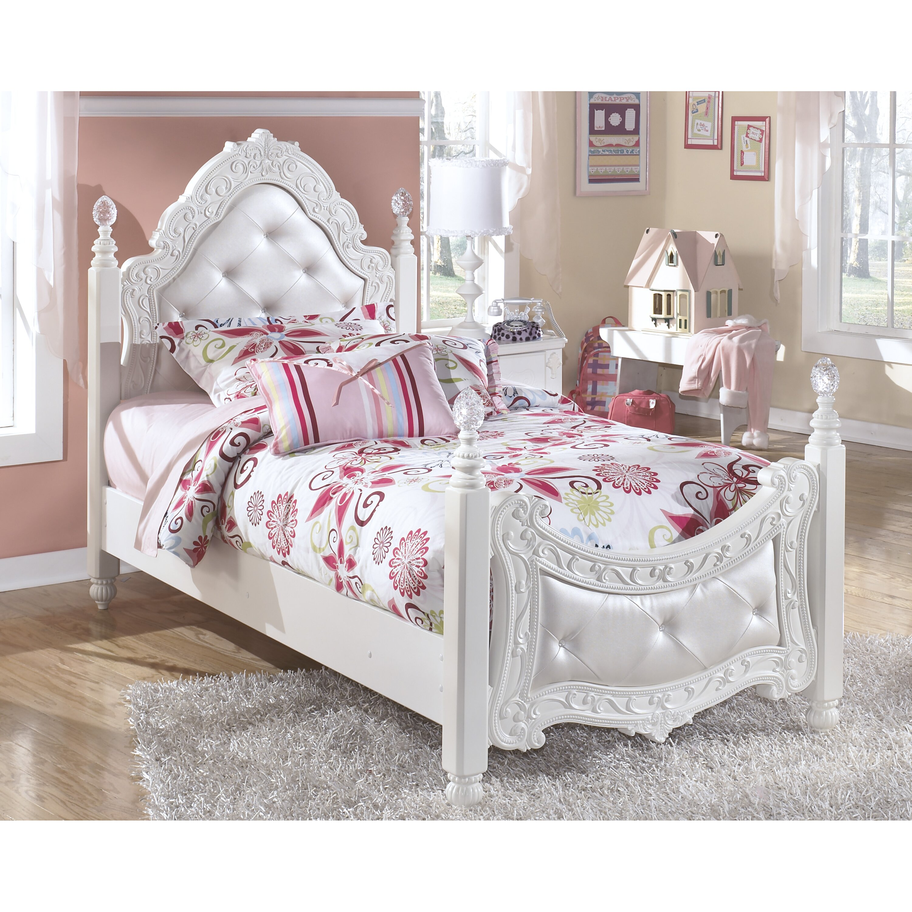Signature Design By Ashley Exquisite Four Poster Bed