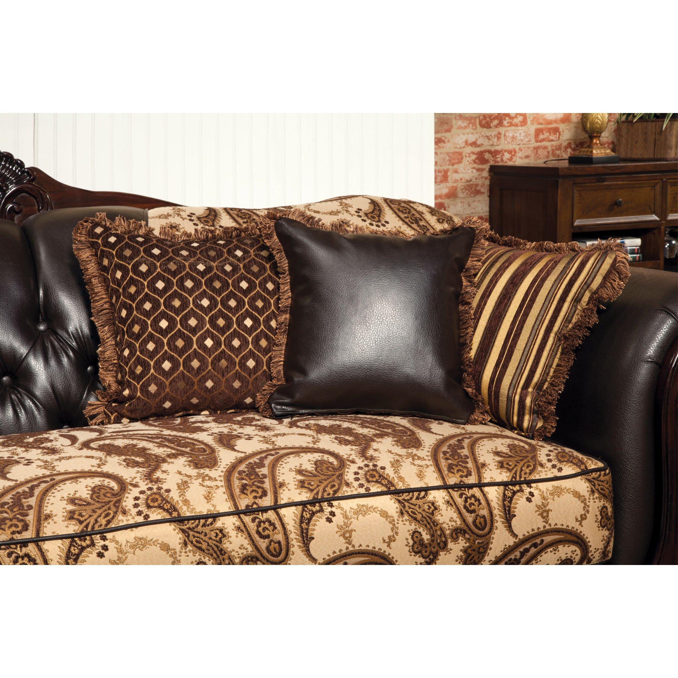 Hokku designs maximillia two tone classic sofa reviews for Classic sofa