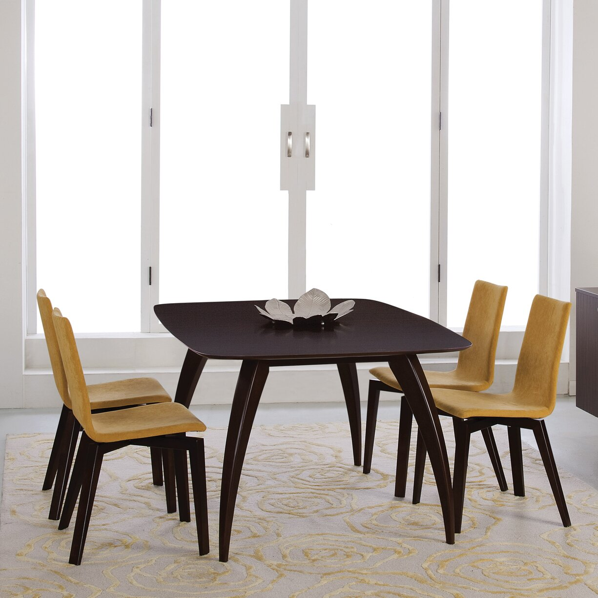 Saloom furniture kira extendable dining table wayfair for Wayfair dining table