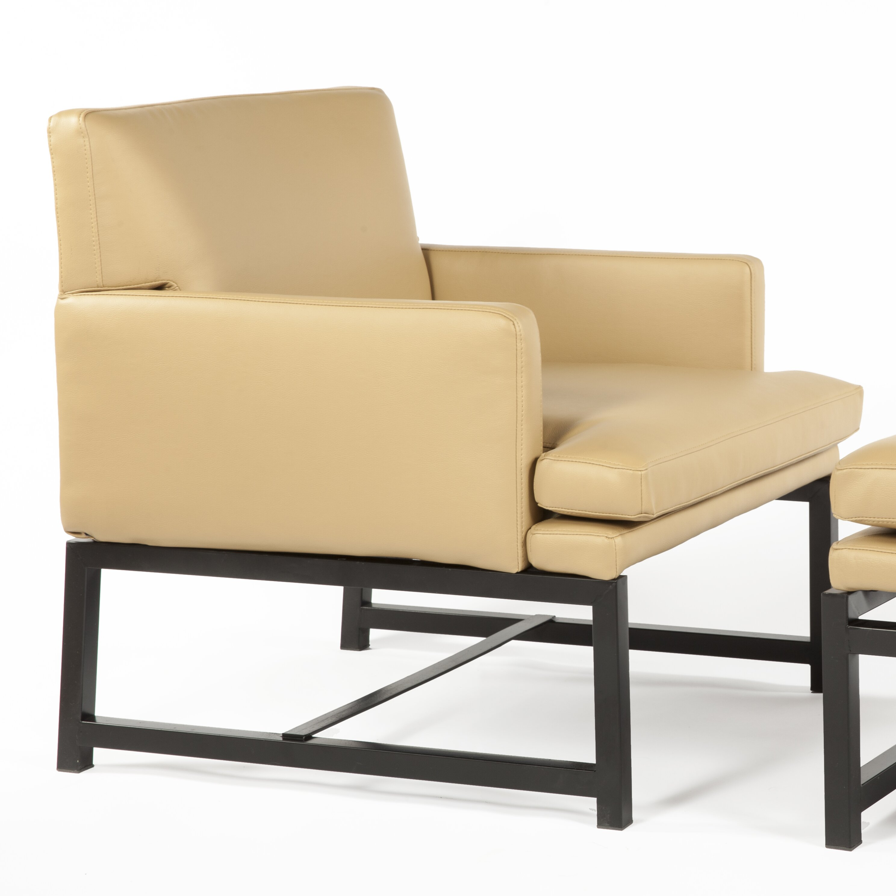 dCOR design Kuopio Lounge Chair