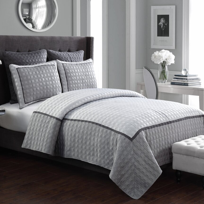american home fashion hudson hotel 5 pieces quilt set reviews wayfair. Black Bedroom Furniture Sets. Home Design Ideas
