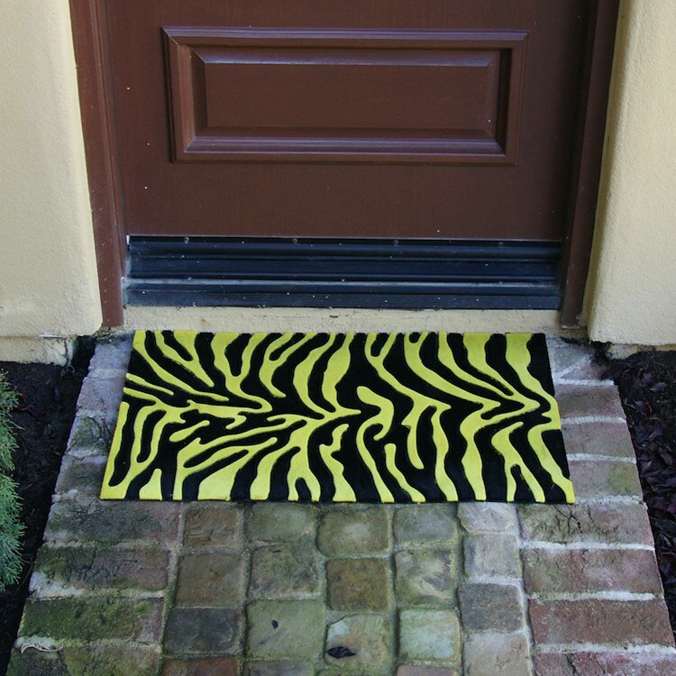 Rubber cal inc wild decorative front door mat outdoor for Designer front door mats