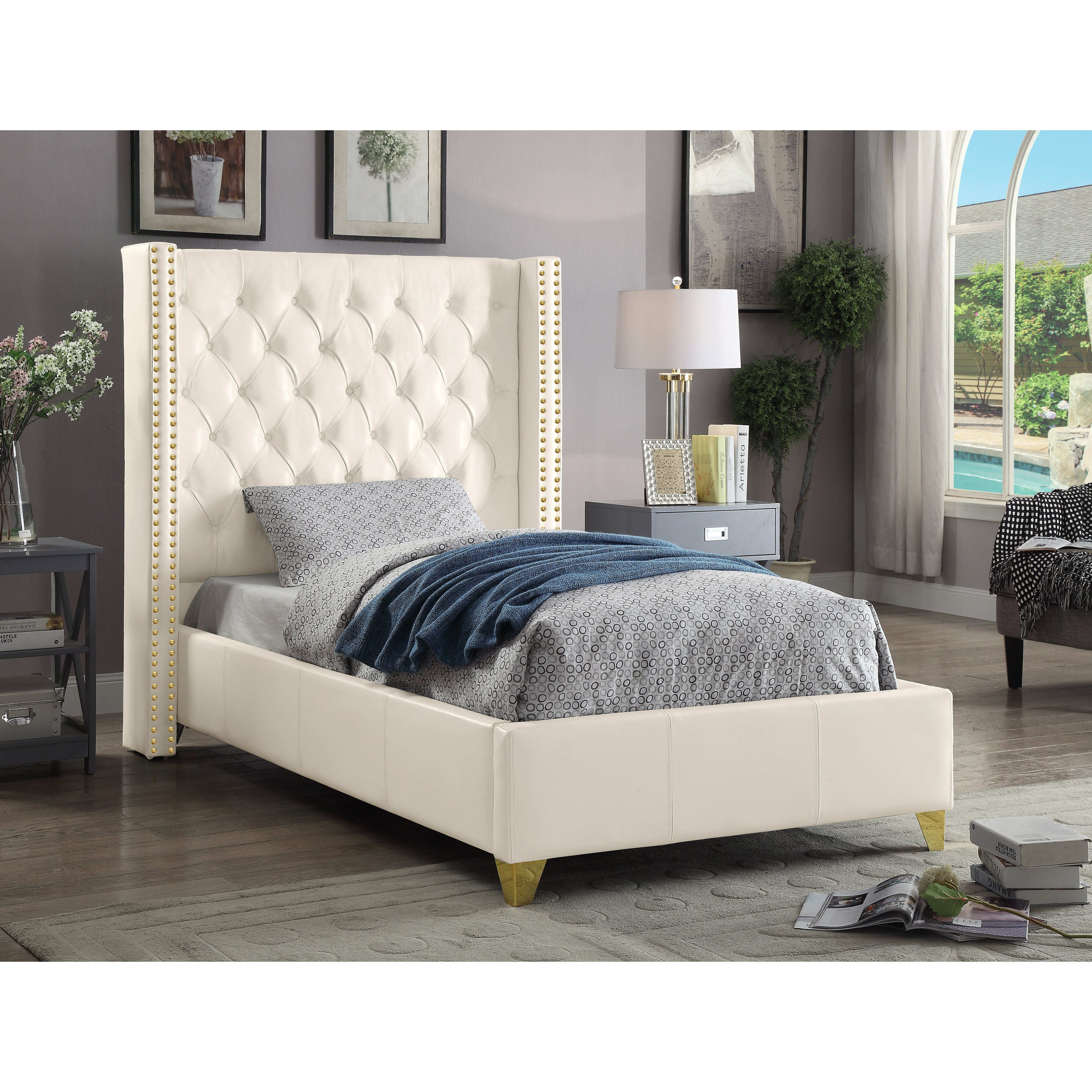 Meridian Furniture Usa Soho Upholstered Platform Bed