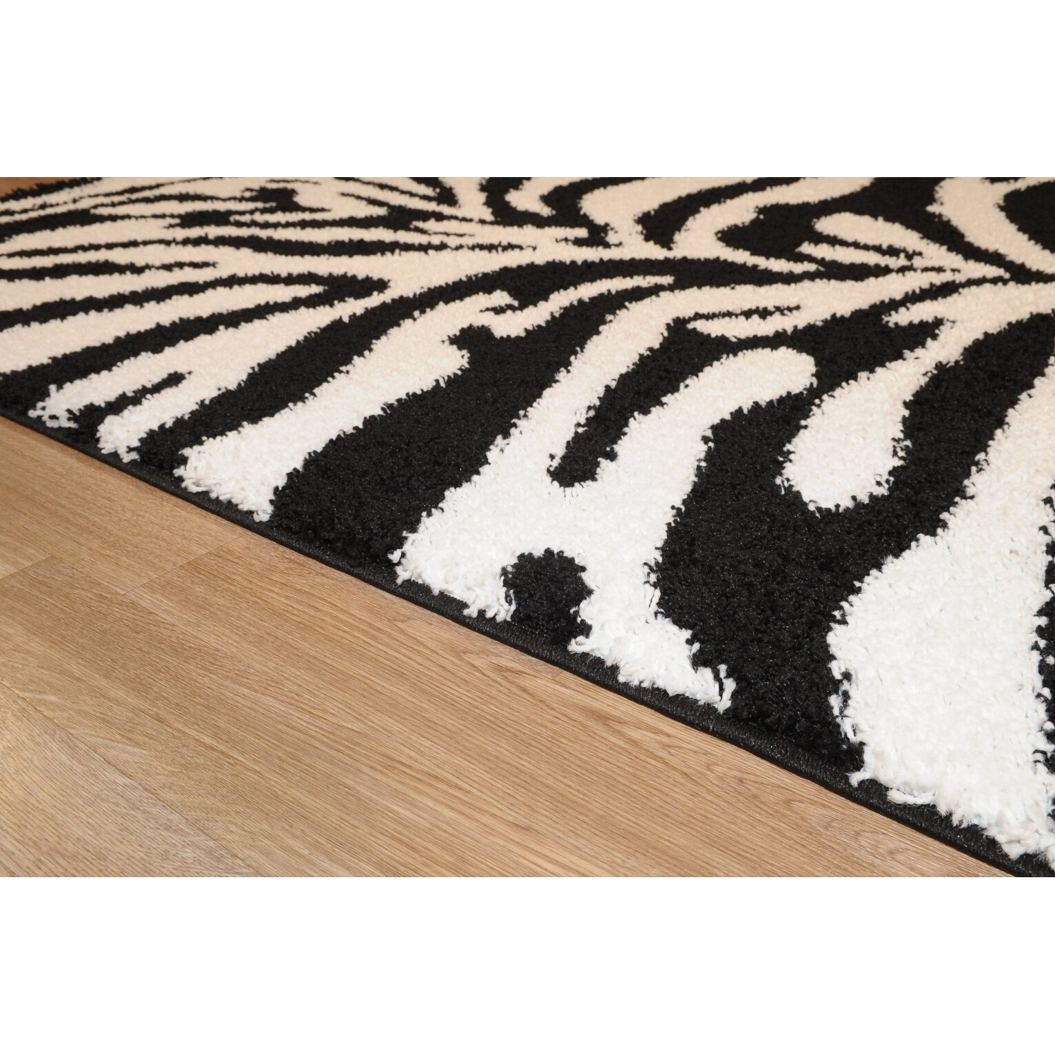 Rugnur Bella Zebra Print Black & White Shag Area Rug