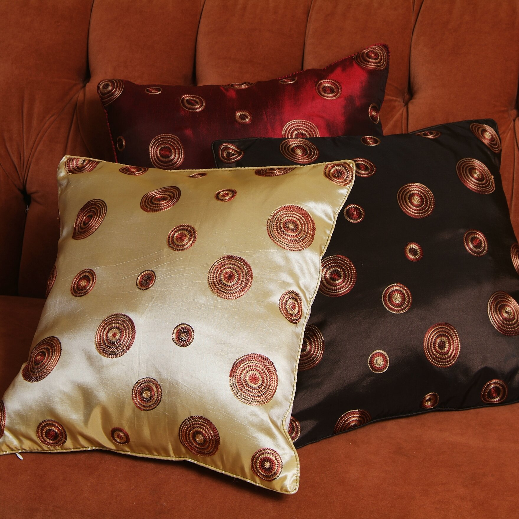 Circle Design Throw Pillows : Charlton Home Schneider Silky Circle Design Throw Pillow & Reviews Wayfair.ca