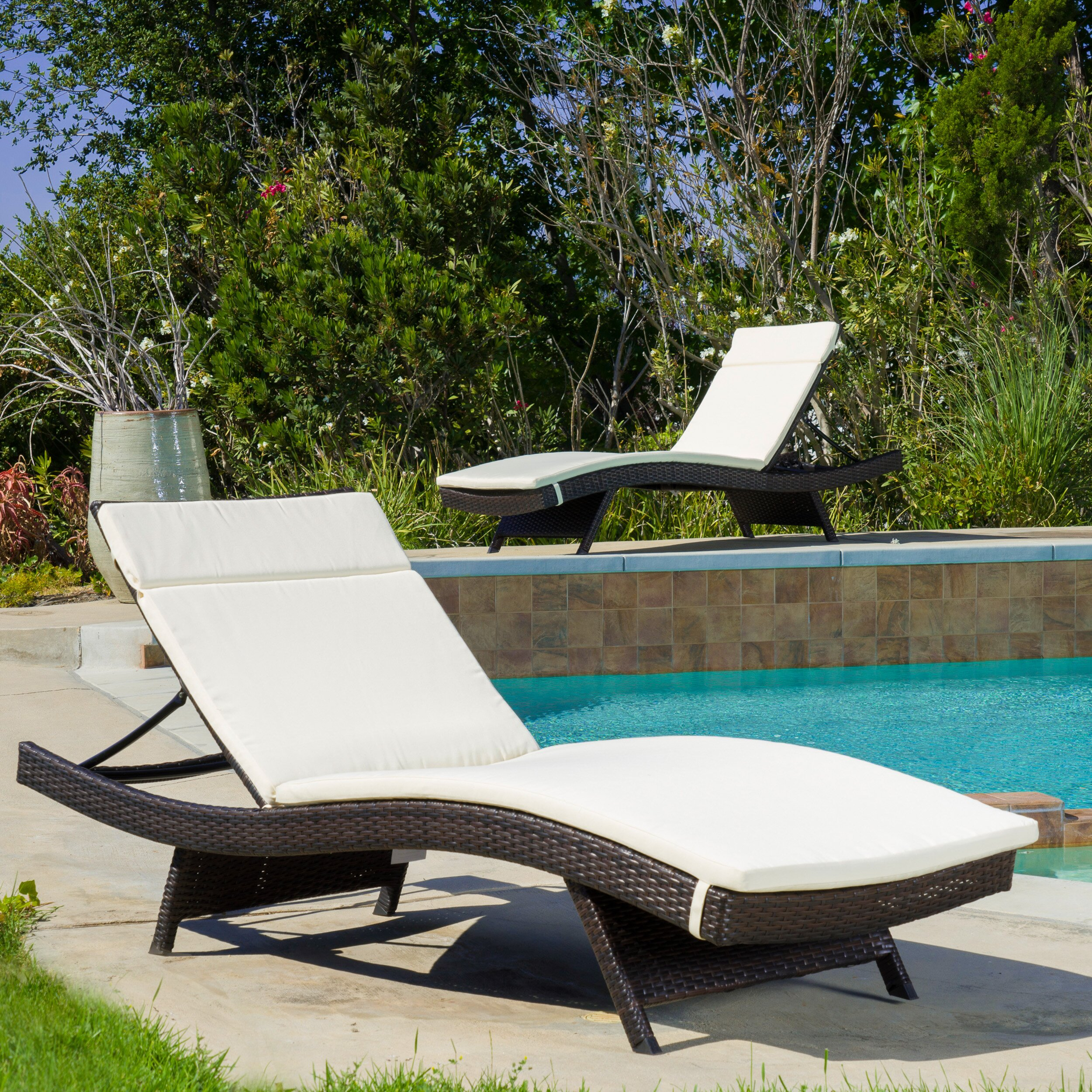 Wade logan claverton down outdoor chaise lounge cushion for Buy outdoor chaise lounge