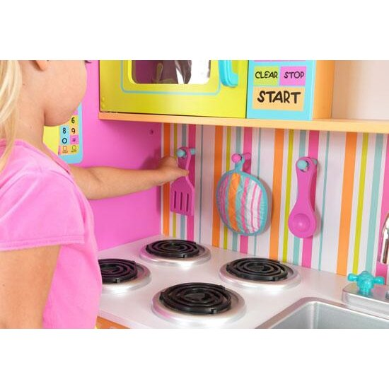 Kidkraft deluxe big bright kitchen play set reviews for Large kitchen set