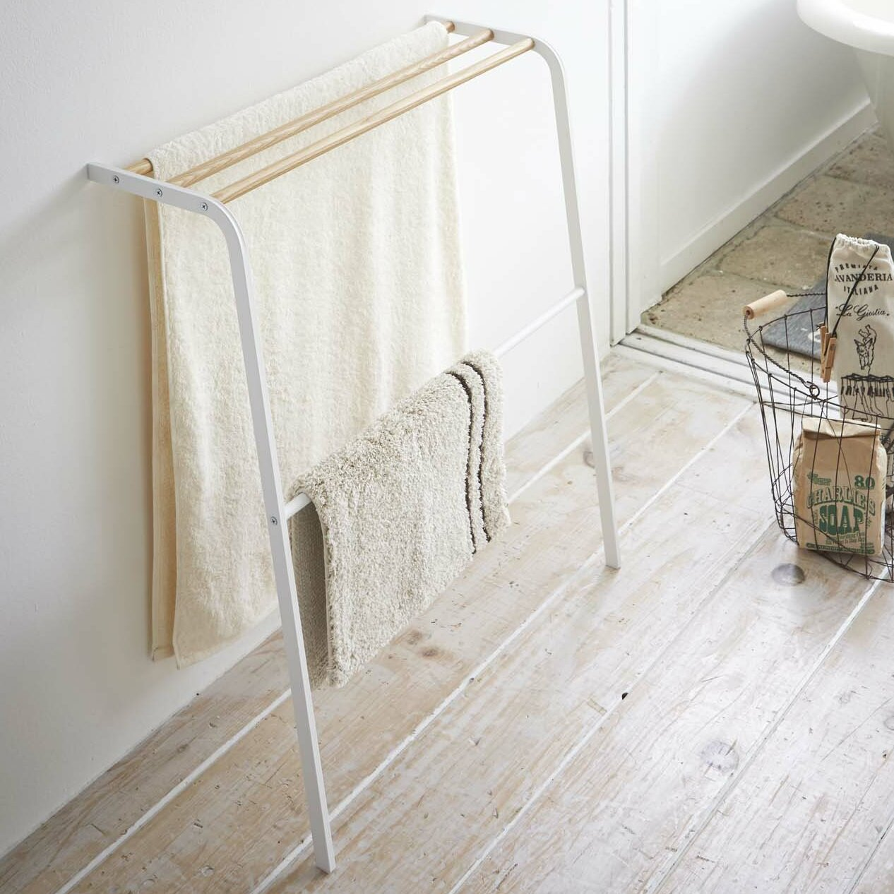 "Yamazaki USA Tosca 25.6"" Wall Mounted Leaning Bath Towel"