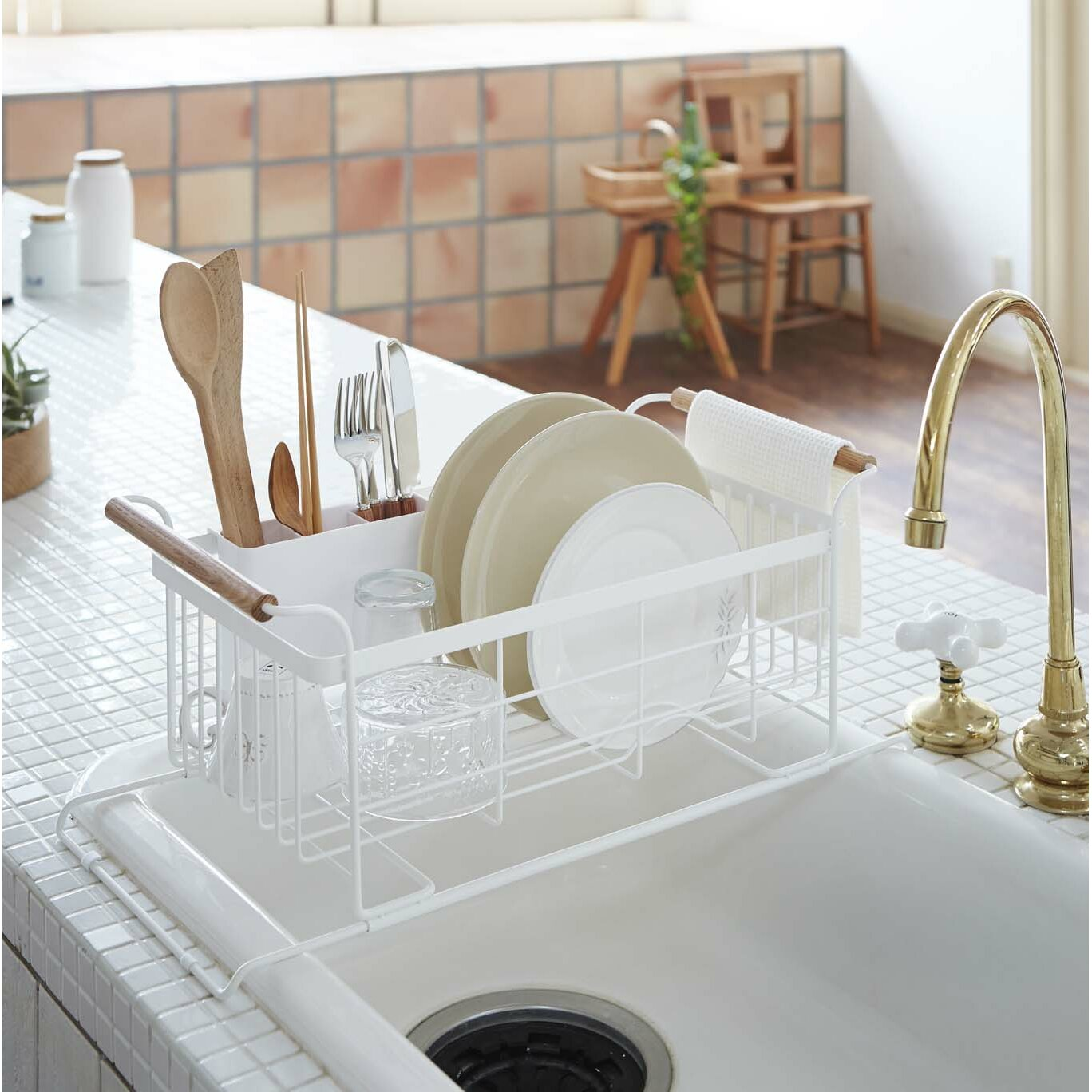 Yamazaki Usa Tosca Over The Sink Dish Drainer Rack