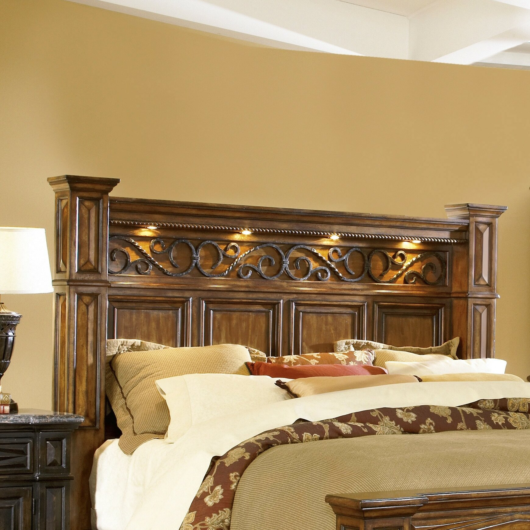 Grand bedroom furniture