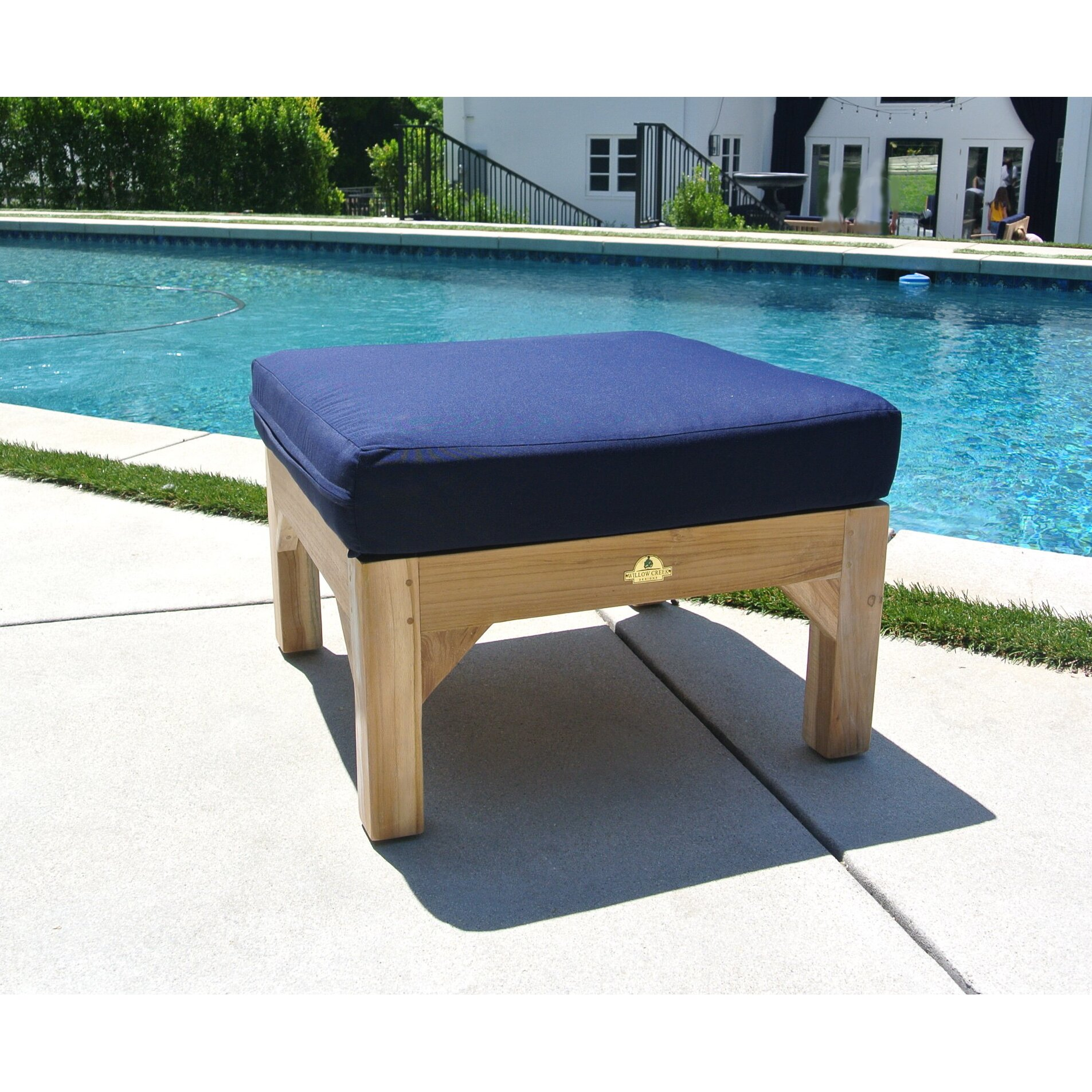 Willow creek designs outdoor sunbrella ottoman cushion for Willow creek designs