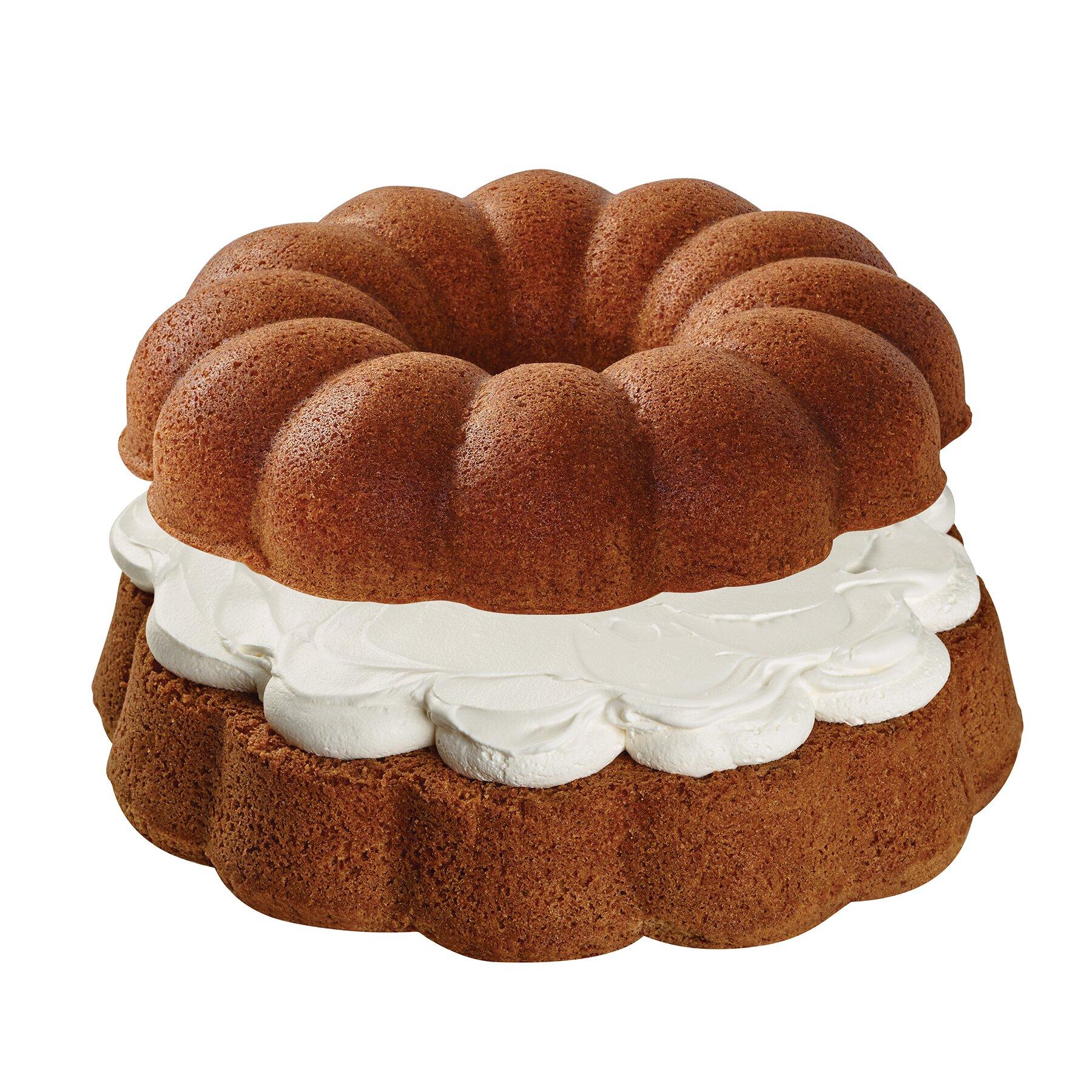Baker S Advantage Fluted Cake Pan
