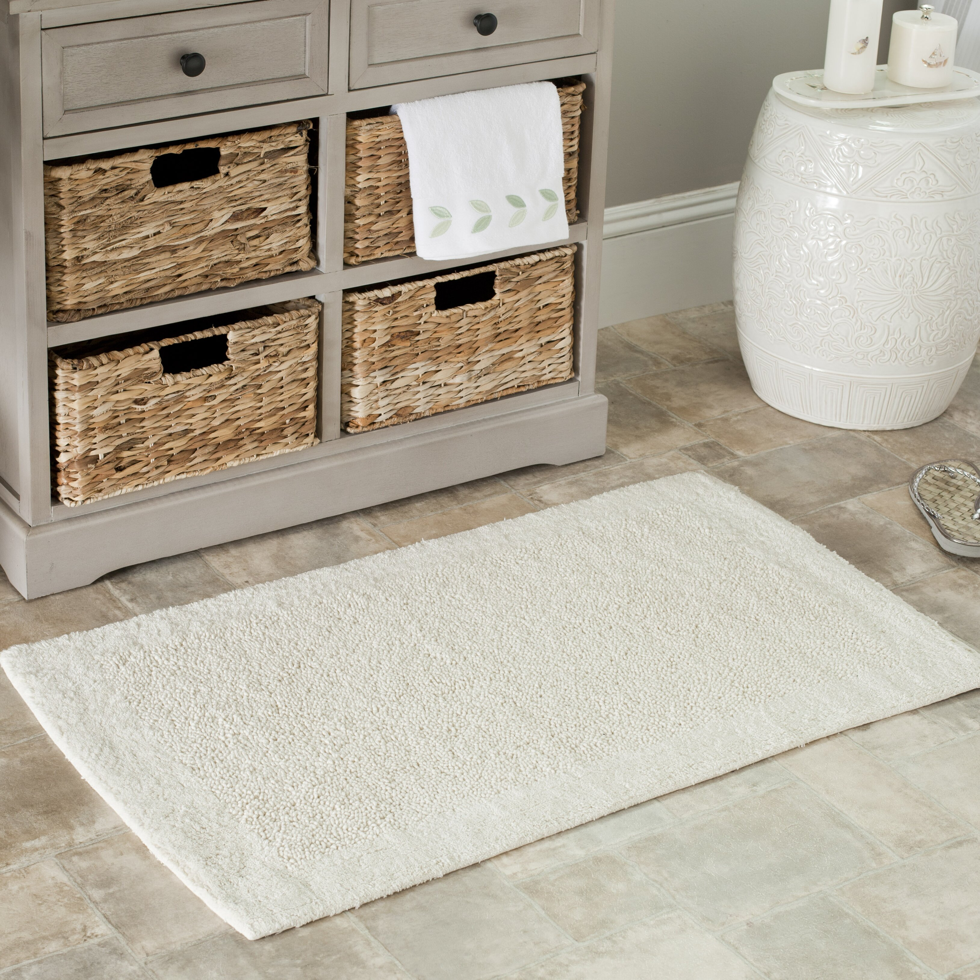 Safavieh plush master bath rug ii reviews wayfair for Master bathroom rugs