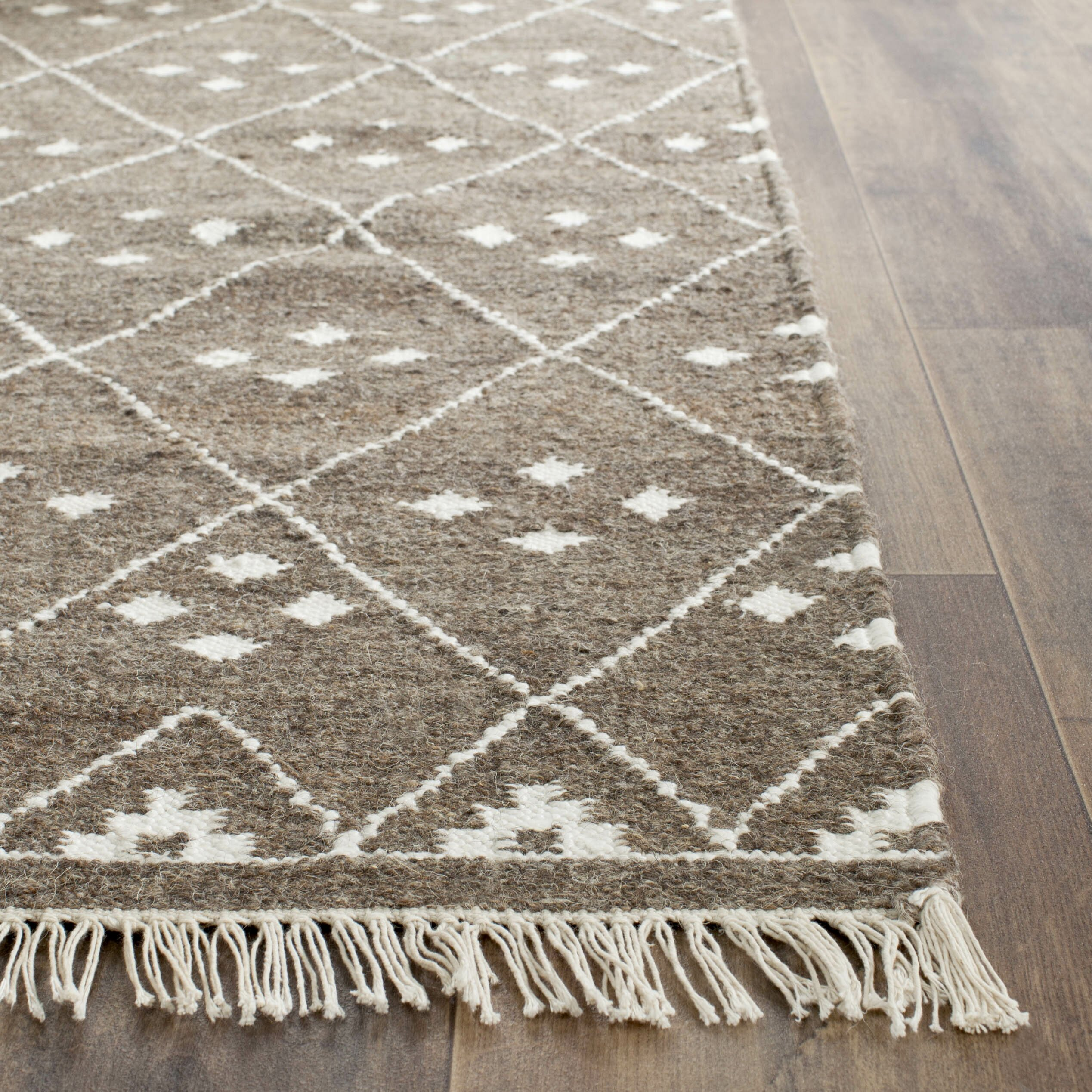 Lightweight Rugs