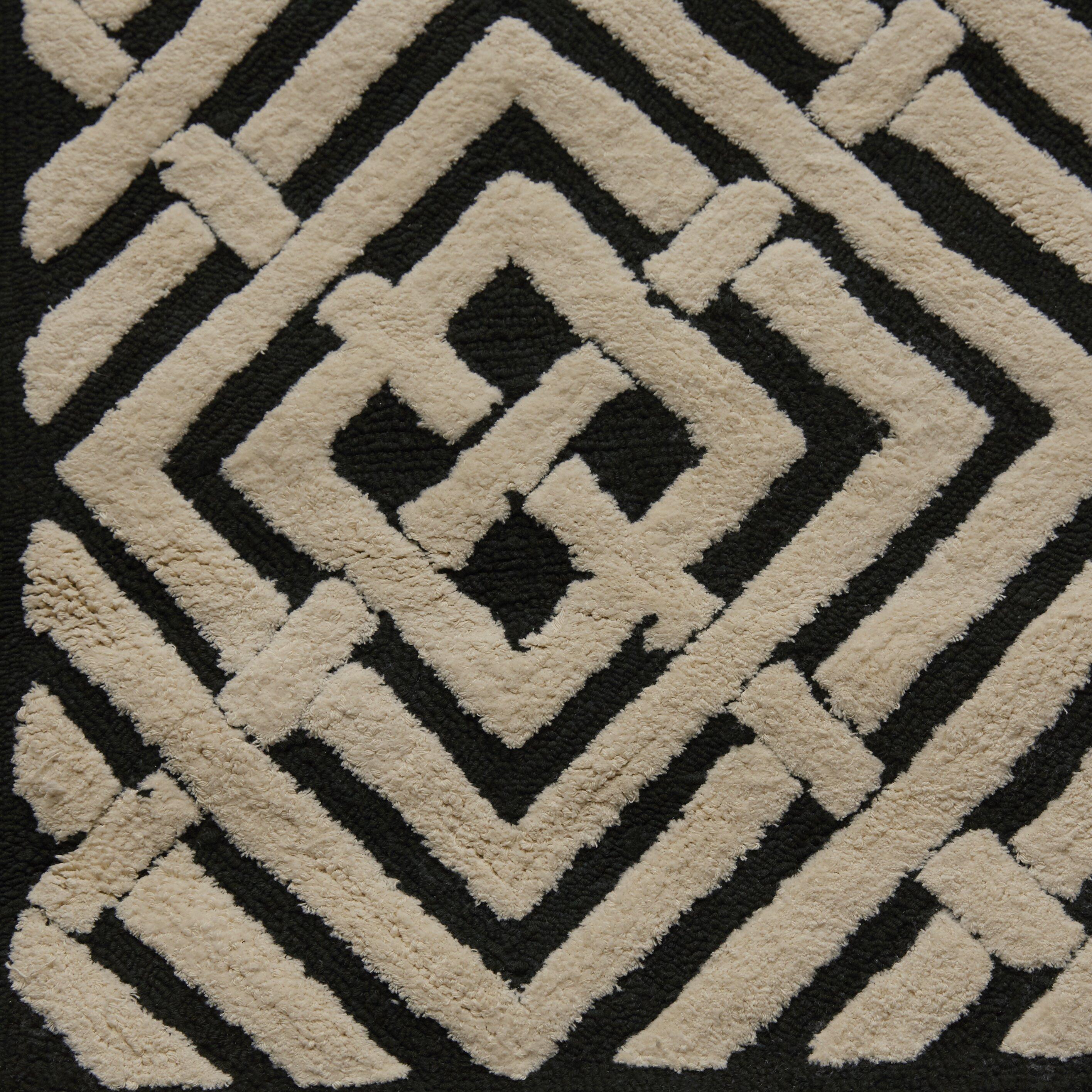 Safavieh Newport Black/White Geometric Area Rug & Reviews ...
