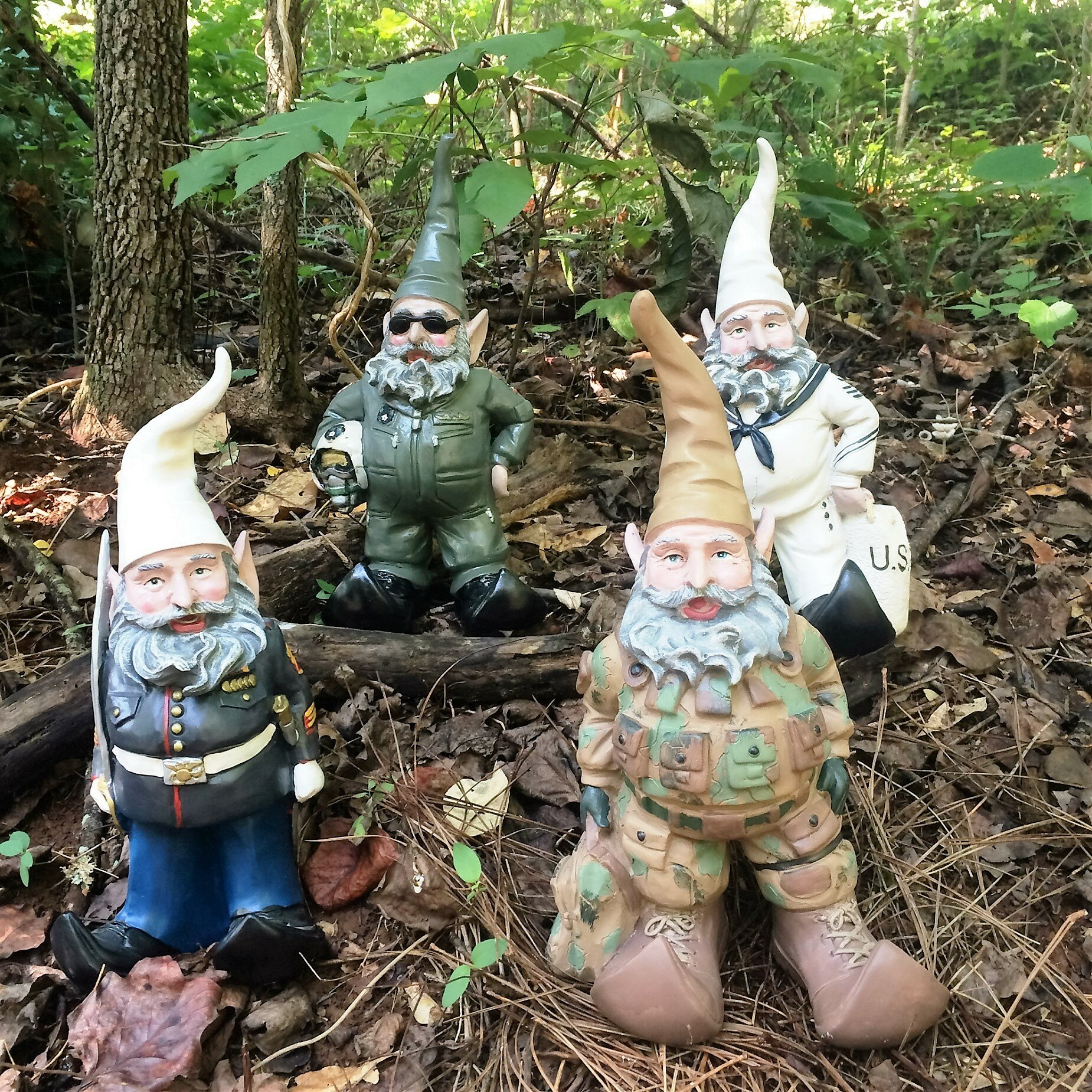 Homestyles nowaday gnomes navy sailor military soldier in for Combat gnomes for sale